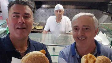 Il rito del pane e panelle  per Giacomo Madonia