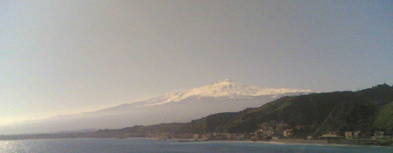 Etna, panorama da Mazzarò, Taormina
