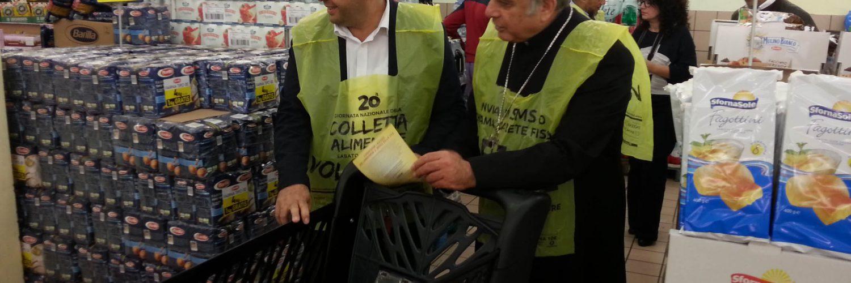 Vescovo e Imam fanno la spesa insieme per il Banco Alimentare