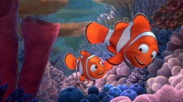 Il papà accompagna Nemo a scuola