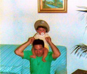Papà Domenico con il piccolo Marco ... a cavallo