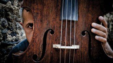 Giovanni Sollima e il suo magico violoncello (copyright by Gian Maria Musarra)