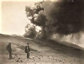 Eruzione del 1923, cratere Monte Pizzillo (foto Gustavo Zuler)