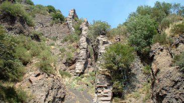 Dicchi all'interno della Valle del Bove (foto archivio Parco dell' Etna)