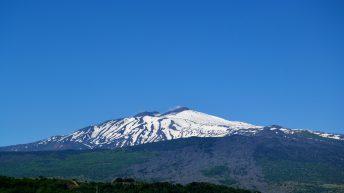 Etna, veduta panoramica dal Castello