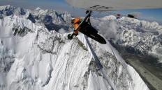 Angelo D'Arrigo in volo sull'Everest