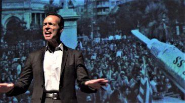 Marco Gambino in un  momento dello spettacolo