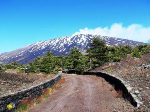 Un bellissimo scorcio della Pista Altomontana dell'Etna