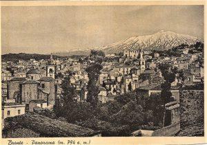 Bronte e l'Etna in una bellissima cartolina degli anni Cinquanta