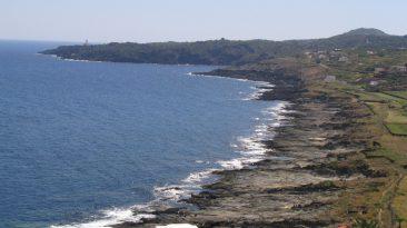 """6 Lo spettacolare sollevamento della spiaggia delle """"balate"""", a Pantelleria"""