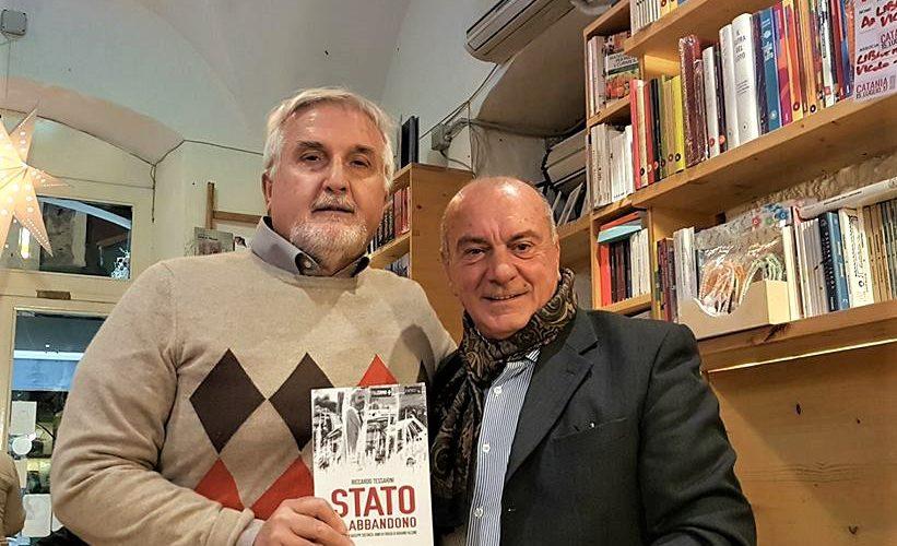 Una bella foto ricordo co Giuseppe Costanza, in occasione della presentazione del libro sulla sua storia a Catania