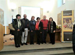 Foto ricordo della presentazione del libro, con Pina Gemmellaro e Angelo Pulvirenti, assessore e sindaco di Nicolosi, la presidente del Parco Marisa Mazzaglia, l'autrice e Mirella Sapienza