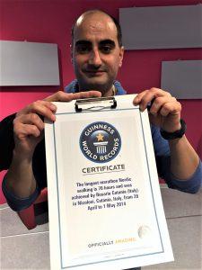 Rosario Catania con il certificato del Guinness Record