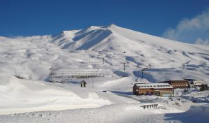 29 Etna area Rifugio Sapienza innevata