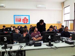 "Prima fila in classe per ""L'Italia va online"""