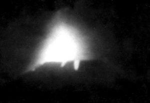 Il Cratere del 1964 in piena attività (collezione personale).