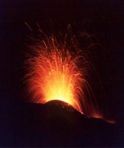Attività persistente al Cratere di NE. Foto S.Scalia