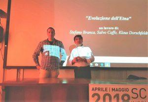 Klaus Dorschfedt e Salvo Caffo nella sede INGV di Catania a presentare il video