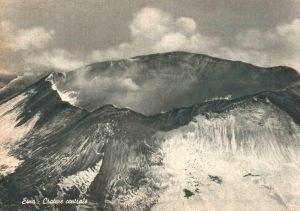 Fino al 1911 in cima all'Etna c'era un solo, grande Cratere (collezione personale)