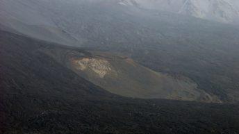 68 Etna Monti Centenari dentro la Valle del Bove