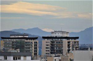 L'Etna vista dai piani alti di Palermo, il 30 marzo di quest'anno. La foto è del mio amico Renzo Botindari