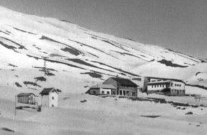 Il Rifugio Sapienza, la cabina elettrica e la Stazione della Funivia