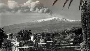 Notevoli emissioni di cenere raggiunsero anche la città di Catania.