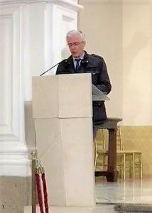 Francesco Paolo Gallo mentre legge in chiesa a Palermo il suo ricordo dell'amico
