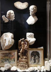 La teca che custodisce i reperti ritrovati (Foto S. Scalia)