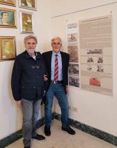 Con il Vulcanico Gaetano Perricone a Palazzo Bufali accanto al pannello tratto dal nostro blog