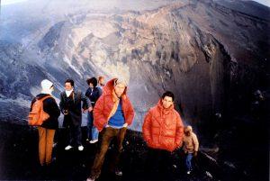 Una bellissima foto dei fratelli Antonio e Orazio Nicoloso sul cratere