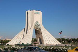 La Torre Azadi, simbolo di Teheran, inaugurata nel 1971