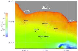 La mappa della distribuzione dei sei vulcani al largo della costa sud-occidentale della Sicilia