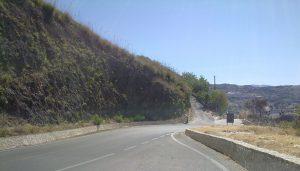 Il sito delle pillow-lavas sulla SP108 (Foto I. Scalia)