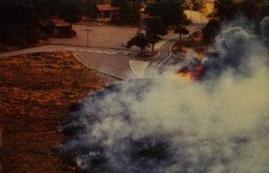 Le colate di lava cominciano ad invadere il Piano Provenzana (cartoline postali della mia collezione personale)