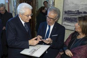 Mattarella con Carlo Arnoldi, presidente dellassociaione dei parenti delle vittime di Piazza Fontana