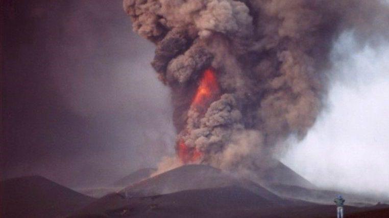 Eruzione dell'Etna novembre 2002 (Foto S. Scalia)