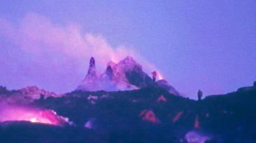 Il teatro eruttivo e gli hornitos del 1985 (Foto S. Scalia)